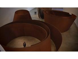 Entre las esculturas de Serra / Among Richard Serra's Sculptures