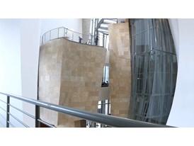 En el interior del Guggenheim Bilbao / Inside Guggenheim Bilbao Museum