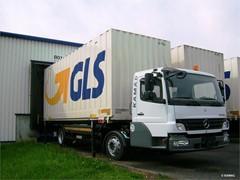 GLS testet erfolgreich Hybrid-Wiesel von KAMAG