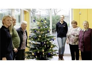 GLS: Weihnachtsbäume für Seniorenheime