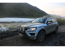 Goodyear & Rainer Zietlow in their World Record Breaking attemp. Touareg Eurasia.