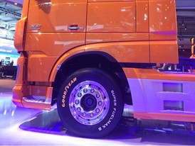 Goodyear SUPER FUELMAX Steer on DAF