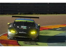 Dunlop Aragon Test - Aston Martin Vantage