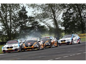 15 lucky winners will join Dunlop at Knockhill's BTCC race