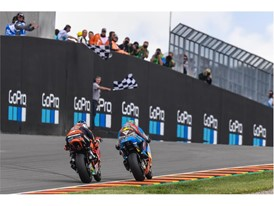 Franco Morbidelli leads Miguel Oliviera Moto2