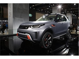 Goodyear concept tire on Land Rover Discovery SVX