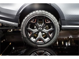 Goodyear concept tire on Land Rover Discovery SVX (3)