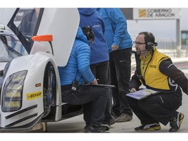 Engineer working with team at Dunlop test