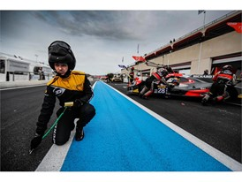 Dunlop engineer in the Paul Ricard pit lane
