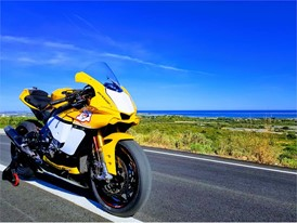 Yamaha YZF-R1 - Dunlop's chosen test bike