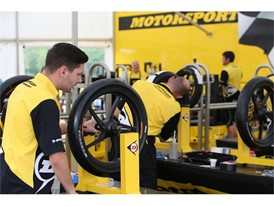 Dunlop's experienced fitters balancing Moto tyres at service
