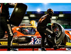 G-Drive Racing changing Dunlop tyres at Le Mans