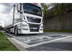 Goodyear představuje novou řadu nákladních pneumatik snižujících emise CO2 a technologii správy pneuhospodářství