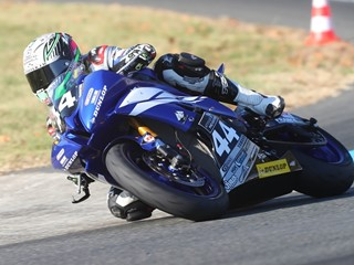 New Dunlop track day tyre wins the ultimate test – victory on its racing debut.