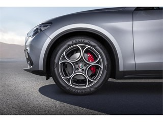 Goodyear uvádí na trh nové Eagle F1 Asymmetric 3 SUV, vysoce výkonné pneumatiky pro modely SUV