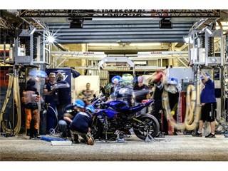 Moto Ain pitting at night