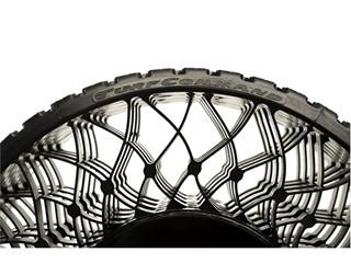 "Goodyear presenta la Airless Technology: pneumatici ""senza aria"" per tagliaerba professionali"