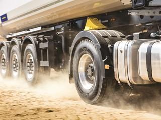 Goodyear Omnitrac : nouvelle gamme de pneumatiques pour les camions mixte-chantier