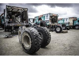 Dakar Rally podium finish for Team De Rooy on Goodyear Tires