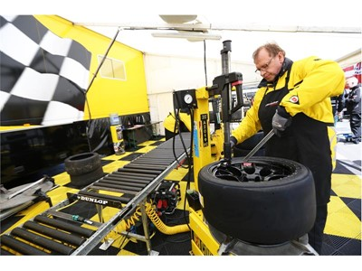 Dunlop Direzza chosen to grip Junior Saloon Car Championship