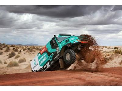 Team De Rooy a Goodyear uzavřeli Rallye Dakar na stupních vítězů