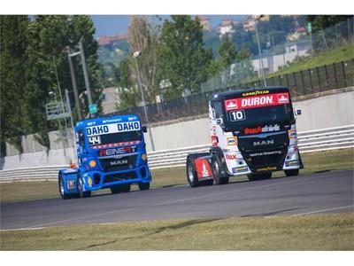 Jak Goodyear vyvíjí pneumatiky pro závody tahačů?  Závodní pneumatiky pro tahače dokládají odolnost standardních koster