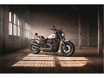 Dunlop představuje D429, nové pneumatiky na zakázku pro Harley-Davidson