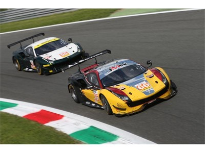JMW Motorsport and Sprit of Race Ferraris