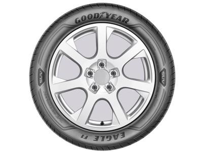 Elektrické SUV Audi e-tron se v San Franciscu představilo s pneumatikami Goodyear Eagle F1 Asymmetric 3 SUV