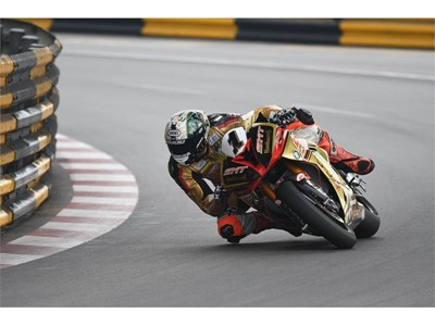 Dunlop's winning road racing season to conclude with Macau Grand Prix