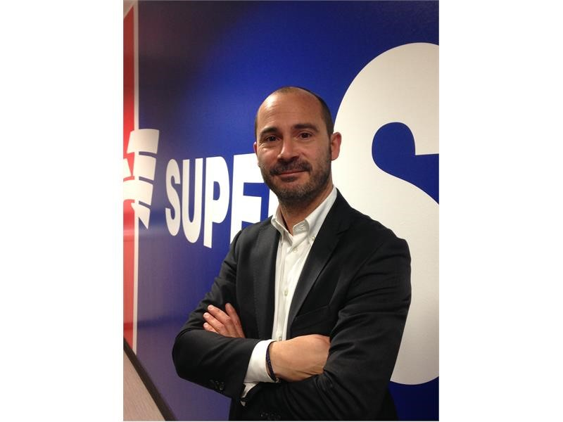 Goodyear Newsroom : <b>SUPERSERVICE</b> COMPIE 25 ANNI E SI ...
