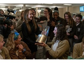 Illini Commit Ellie Holzman Surprised with the 2018-19 Gatorade National Volleyball Player of the Year Award