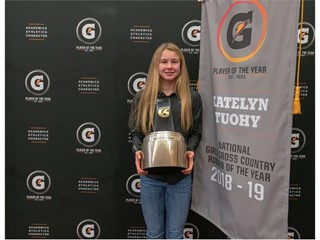 Katelyn Tuohy is presented with the 2018-19 Gatorade National Girls Cross Country Runner of the Year Award