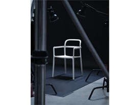 YPPERLIG monoblock chair