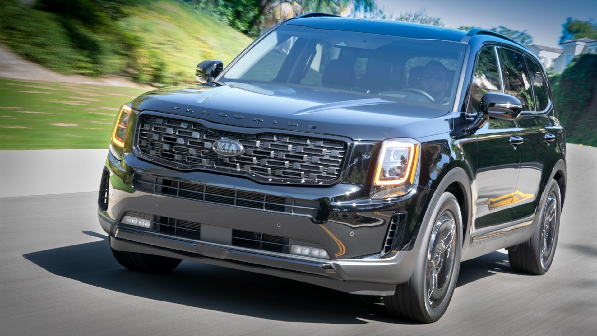 "Kia K5 and Telluride earn 2021 Edmunds ""Top Rated"" Awards - Image 1"