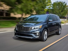 Kia Sedona receives Parents Magazine 2020 Best Family Cars Award