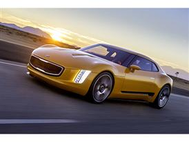 Kia GT4 Stinger (action 2)