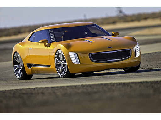 Kia GT4 Stinger (action 1)