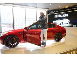 """""""King James Edition"""" Kia K900 goes up for auction today to benefit the LeBron James Family Foundation"""