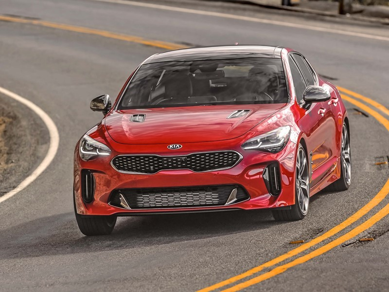Soul Soo And Stinger Named 2019 Best Cars For The Money From U S News World Report