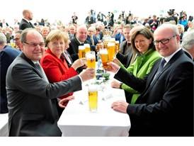 Bundeskanzlerin Angela Merkel  bei der Feier zu 500 Jahre Reinheitsgebot mit Minister Christian Schmidt