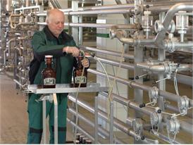 Moderne Brauerei in Bayern, Nähe München, Lagerung mit Sonderabfüllung Flaschen