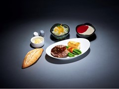 "Extended food selection: Lufthansa introduces ""A la carte dining"" meals in Economy and Premium Economy Class"