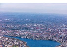 A320neo above the Alster in Hamburg