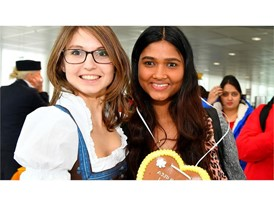 Lufthansa Airbus A350-900: Namaste Indien!