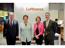 Bundesministerin Zypries besucht Lufthansa in München