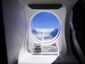 Seltener Ausblick: Beliebtes Fotomodell für die Spotter, das Fenster an der Tür 1L
