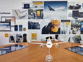 Lufthansa Design Ausstellung zum 100. Geburtstag desKranichs zieht in den Römer
