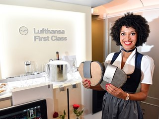 Take-off der Lufthansa-Trachtencrew