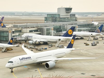 Lufthansa A350-900: the world's most modern long-haul airplane makes an appearance at Frankfurt Airp